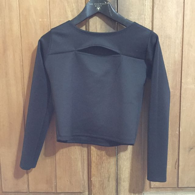 Long Sleeves Black Top