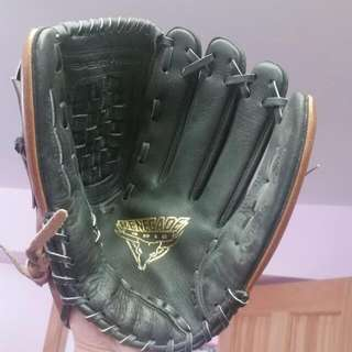 Rawlings Renegade Series Leather Softball Glove