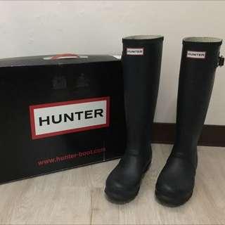 Hunter 霧面深藍色雨靴
