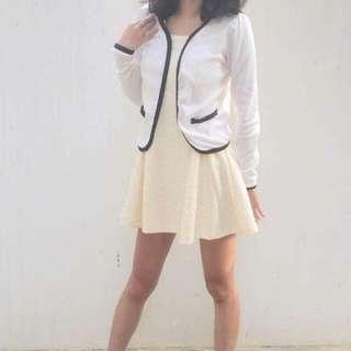 米白無袖洋裝+白色小香外套