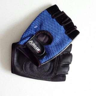 Brand New Glove Size M