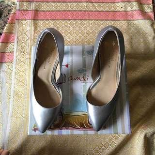 Amai銀灰色尖頭高跟鞋(含運)