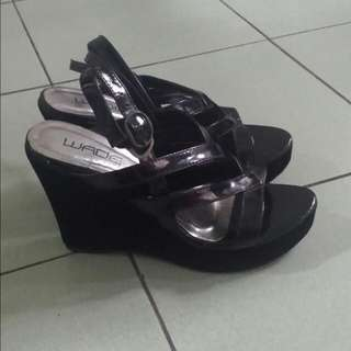 Wade Black Wedge Size 36