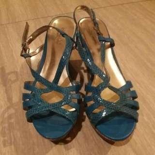 Sepatu Wedges Charles N Keith Sz 6
