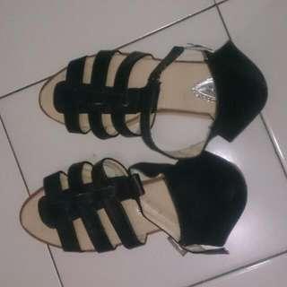 Black Sandals Ukuran 39