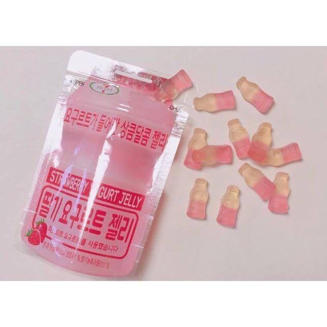 韓國7-11限定 lotte 樂天 草莓養樂多軟糖