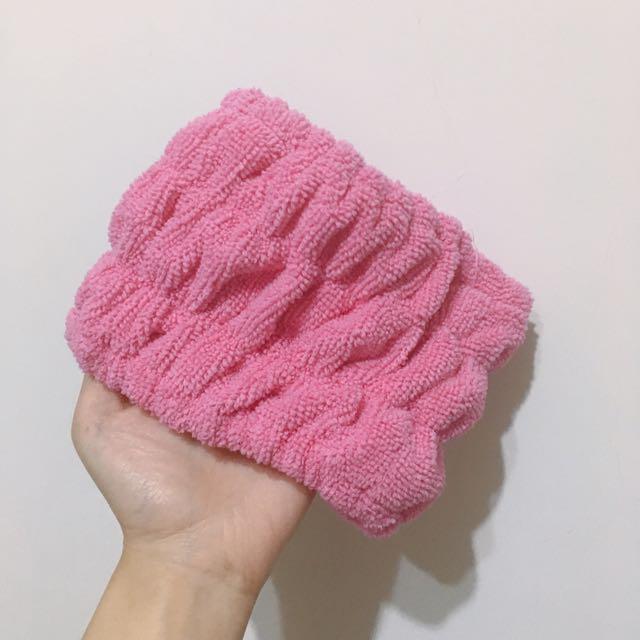也是粉紅髮帶💕
