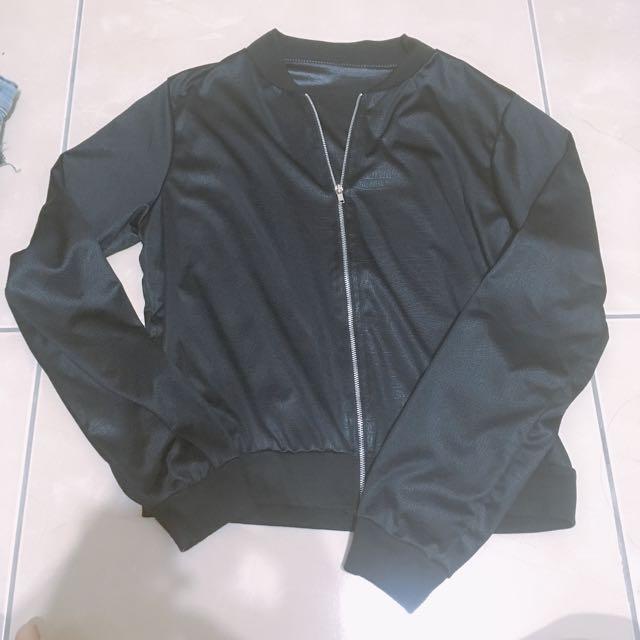 適合夏天的皮衣感外套 #三百元外套