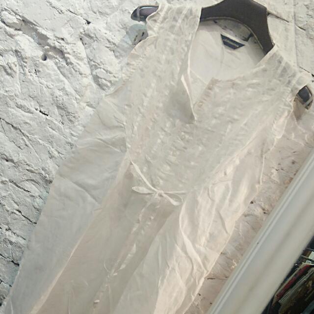 時尚白色經典背心上衣