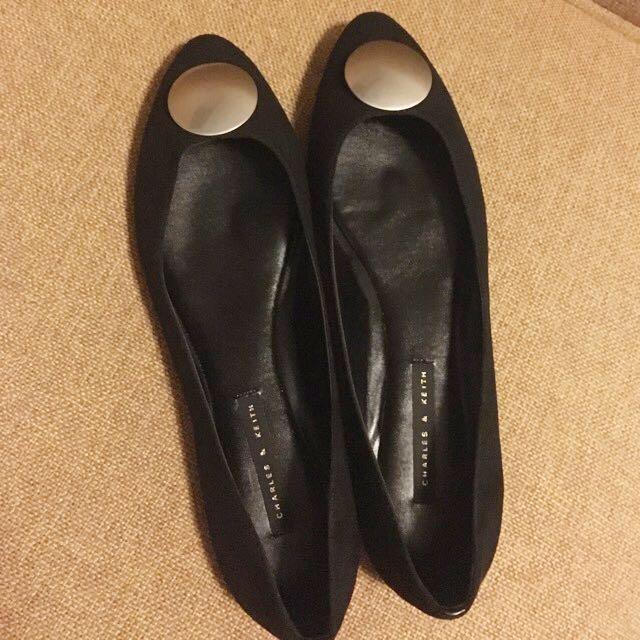 Charles And Keith New Pair Of Shoes With Bill