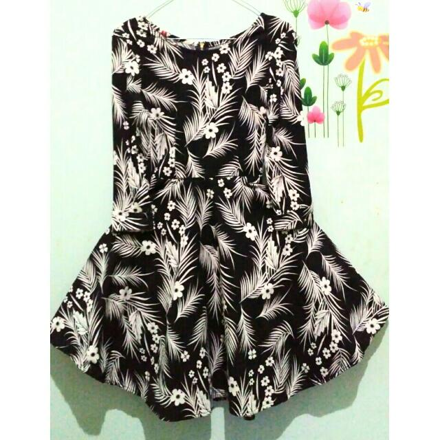 D'Live Flowery Black Dress