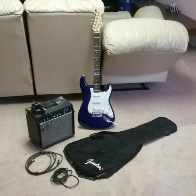Fender Squier Strat Electric Guitar Set