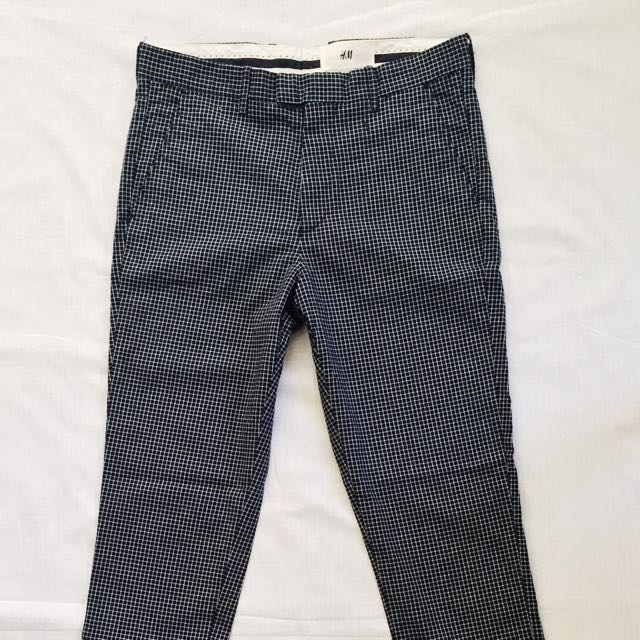⭐️SPECIAL OFFER⭐️H&M Navy Grid Pants
