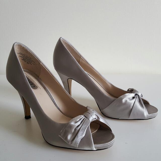 Nine West - Silver Satin Heels- Size 6.5
