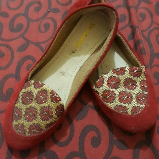 Preloved Flatshoes Bordir