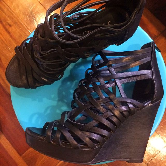 Staccato Wedge (negotiable)