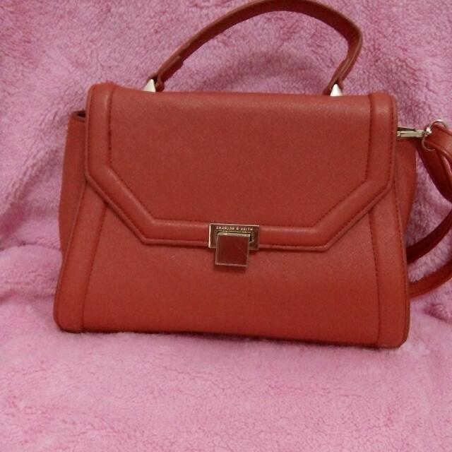 Tas Merah Preloved
