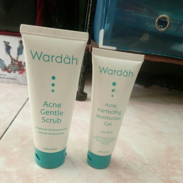 wardah scrub and pelembabnya