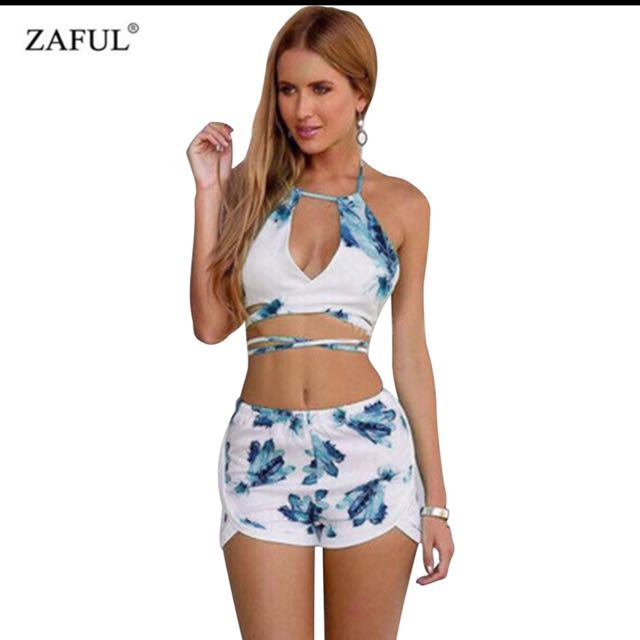 91341d1909 ZAFUL Sexy women cotton sets Blue floral print V neck halter tops ...