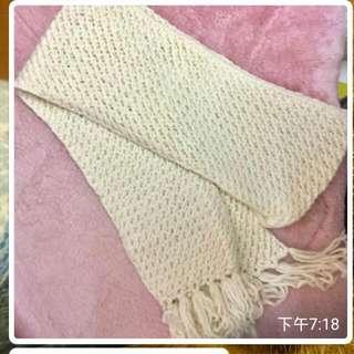 手織頸巾$10