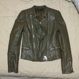 Zara橄欖綠皮衣外套s號