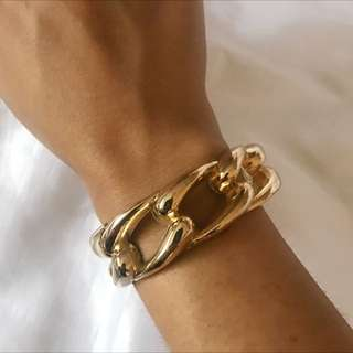 Gold Clip Chain Look Bangle