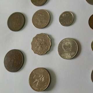一堆不值$的外幣、古幣,意者出價