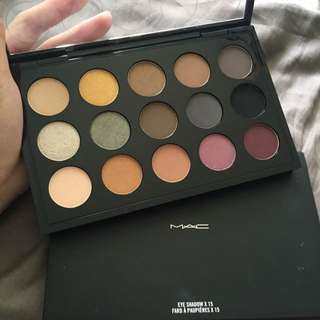 MAC eyeshadow Palette