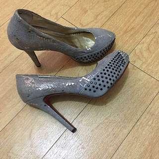 High Heels Glittery Shoes