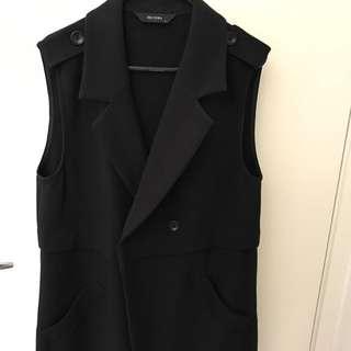 Decjuba Sleeveless Coat