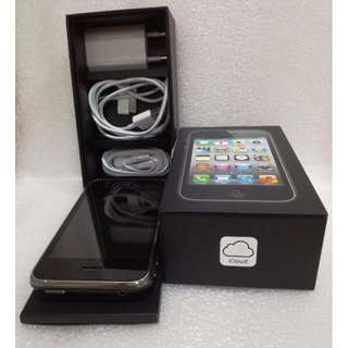 iPhone 3GS (Complete Accessories)