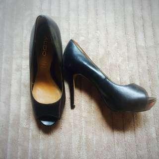 Preloved Aldo Heels - Black. Almost New