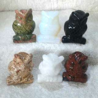 (Price Drop) 1.5-in Hand Carved Natural Semiprecious Stone Owls At Factory Price 1.5寸手工雕刻的天然半宝石猫头鹰-以厂商价大促销