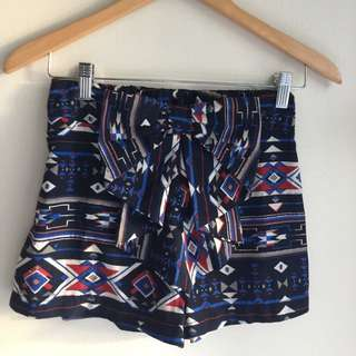 Ally Pattern Shorts With Bow