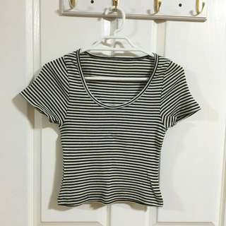 Striped crop top size 6/8