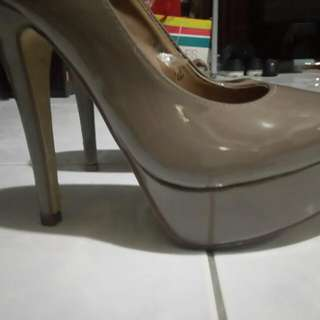 CLN High Heeled Pumps