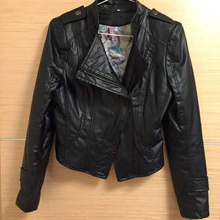 黑☄皮革合身外套