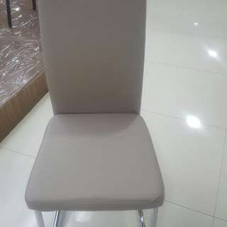 BRAND NEW pELEGANT DINING CHAIRS FOR SALE