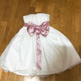 全新小禮服 背後做伸縮