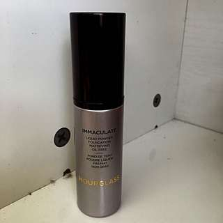 Hourglass Immaculate Foundation