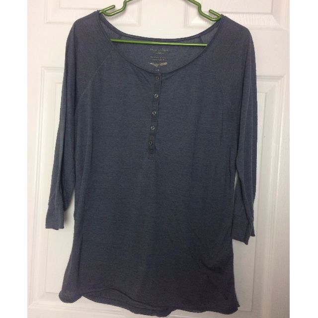 3/4 Length Sleeved Button Down