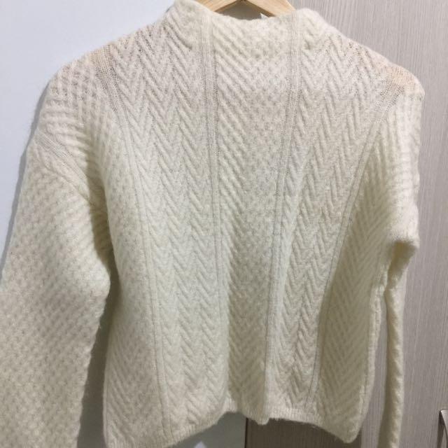 日式短版毛衣含運喔!