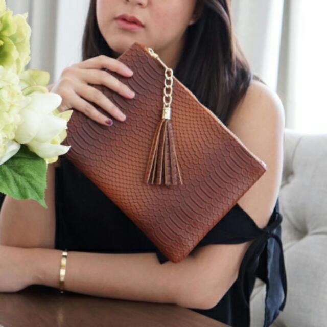 Agatha Brown Clutch By Legra.ID (Clutch, Tas, Brown, Cokelat, Formal, Casual, Bag)