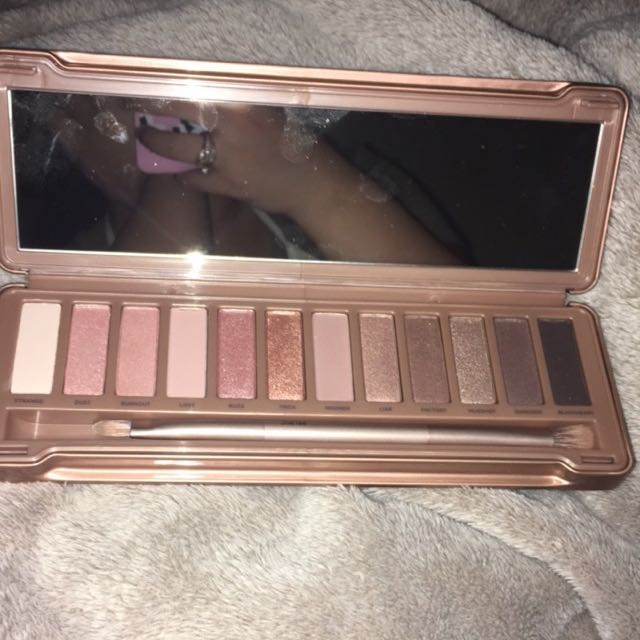 AUTHENTIC BARELY TOUCHED NAKED 3 PALETTE