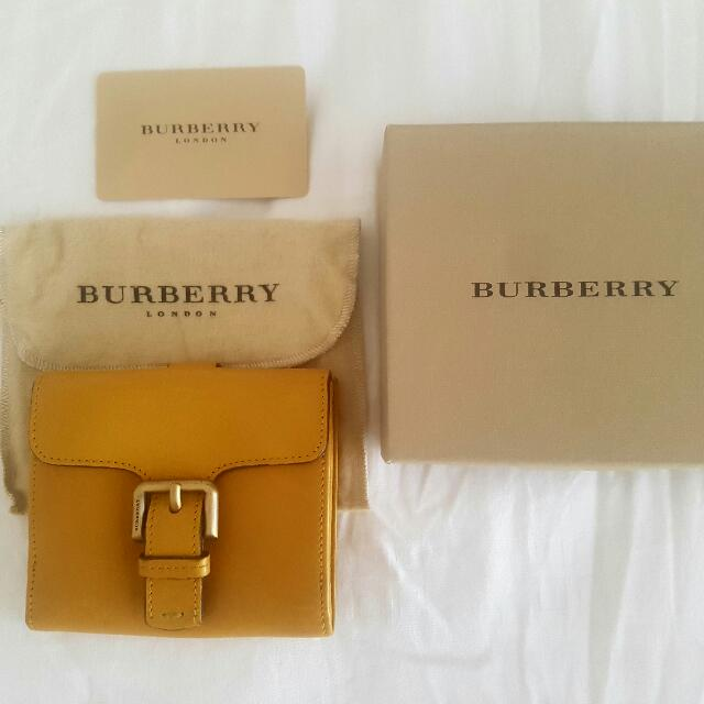 Burberry Designer Leather Purse / Wallet Authentic
