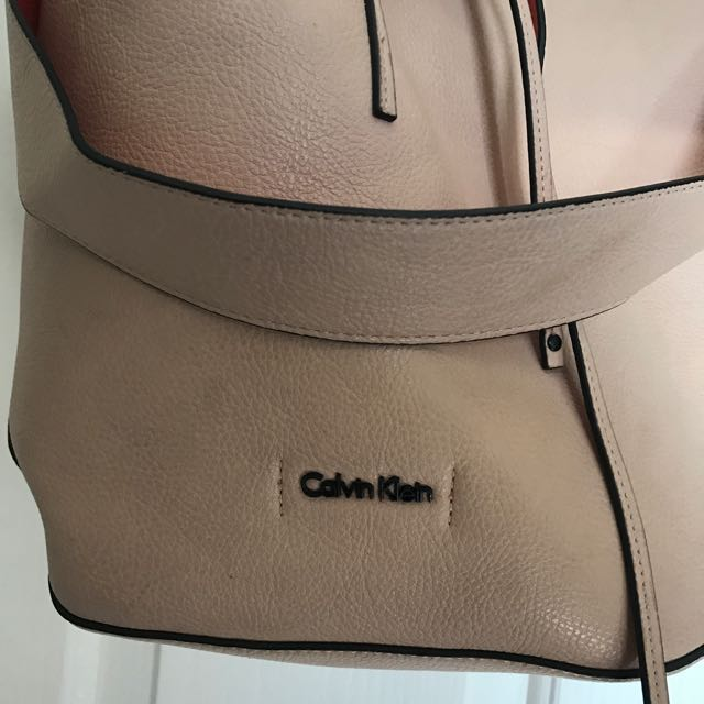 CALVIN KLEIN NUDE/CORAL BUCKET BAG AUTHENTIC