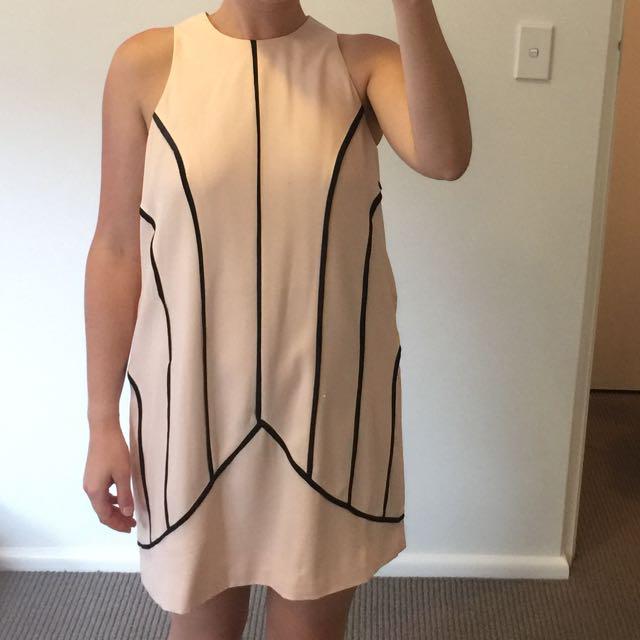 Cameo Dress XS
