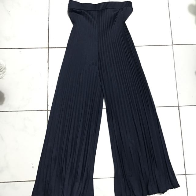 Celana Pleats warna biru dongker