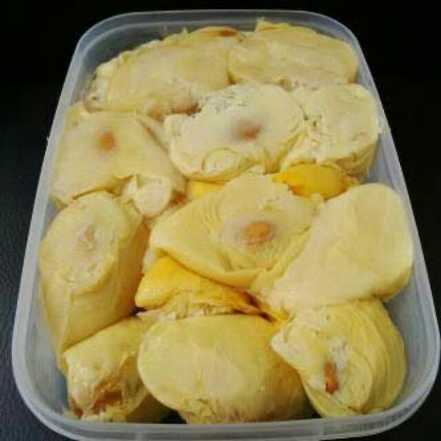 Durian Medan Kupas