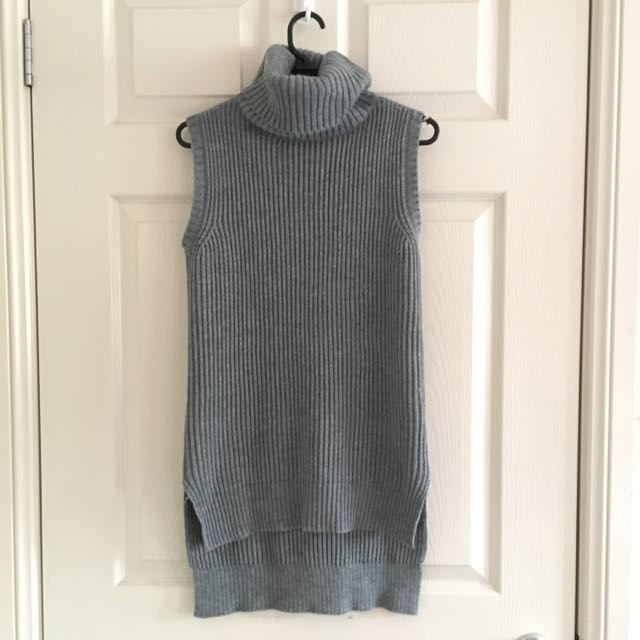 Grey Sleeveless Turtleneck Top